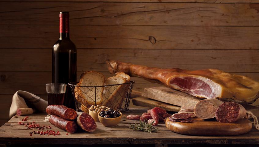Per Sant Martí, mata el porc i enceta el vi
