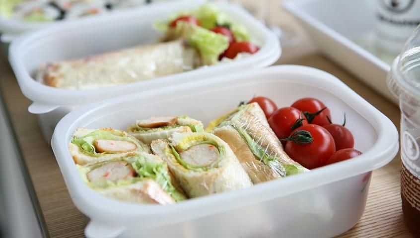 Et toca dinar fora de casa?