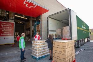 Bon Preu entrega 20 tones d'aliments de primera necessitat i l'expedició de targetes moneder per a 3.000 famílies per al Pla Creu Roja RESPON