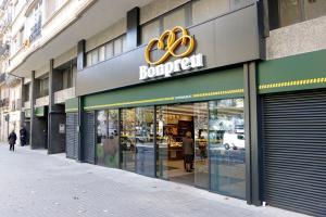 Nou supermercat Bonpreu a l'antic cinema Urgell de Barcelona